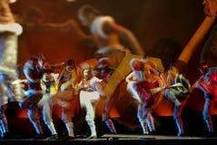 现代中国的舞蹈演员 免版税库存照片