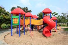 现代儿童操场在公园 免版税库存照片