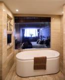 现代内部装饰业-卫生间 库存照片