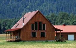 现代农厂的房子 库存图片