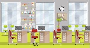 现代办公室内部的平的例证与4张桌、深紫红色椅子、大窗口和浅绿色的地毯的在摩天大楼 ?? 向量例证