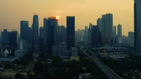 现代办公楼和公墓在雅加达 股票录像