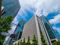 现代办公楼在东京-东京,日本- 2018年6月12日 免版税库存照片