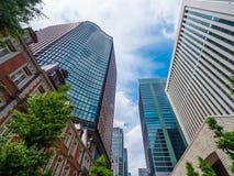 现代办公楼在东京-东京,日本- 2018年6月12日 免版税库存图片