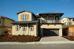 现代加利福尼亚房子 免版税图库摄影