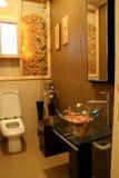 现代卫生间的内部 免版税图库摄影