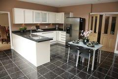 现代厨房的豪华 库存图片