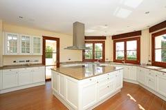 现代厨房的豪华 免版税库存照片