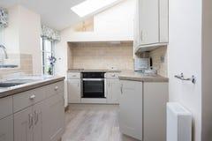 现代厨房空的内部在家 图库摄影