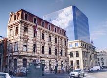 现代古老的大厦 免版税库存照片