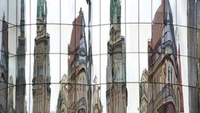 现代和老结构在维也纳 库存照片