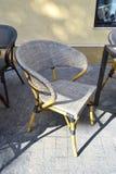 现代咖啡店软的椅子 免版税库存照片
