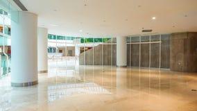 现代商业修造的大厅办公室走廊旅馆大厅 免版税库存图片