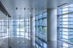现代商业大厦走廊  免版税库存照片