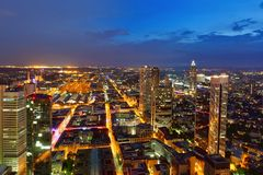 现代城市在晚上 图库摄影