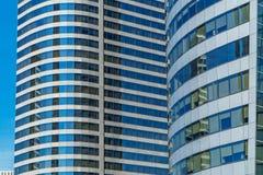 现代塔玻璃窗在曼谷 库存图片