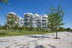 现代大厦和公寓房在`城市生活` 3 Torri地方在米兰,意大利 免版税库存照片
