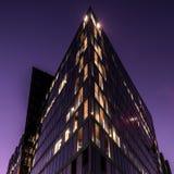 现代大厦和起重机02 库存照片