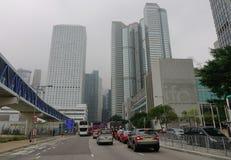 现代大厦有薄雾的天在香港 免版税库存图片