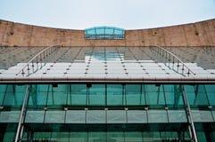 现代大厦玻璃屋顶  免版税库存照片