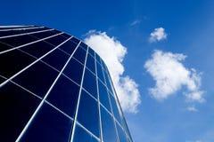 现代大厦的圆顶 免版税库存照片