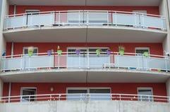 现代大厦的大阳台 免版税库存照片