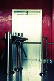 现代大厦的电梯 库存图片