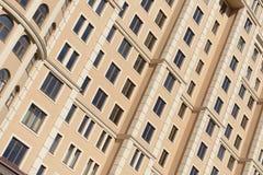 现代大厦的Windows 免版税库存照片