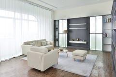 现代家客厅内部  免版税库存照片