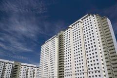 现代密度高的住房 库存图片