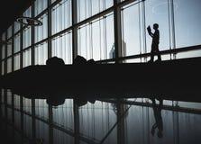 现代建筑学钢大梁金属b玻璃门面  图库摄影