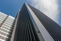 现代建筑风格的商业摩天大楼在L城市 库存图片