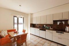 现代房子内部,厨房 库存图片