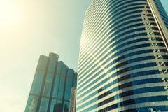 现代摩天大楼玻璃窗  免版税库存图片