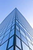 现代摩天大楼玻璃门面  免版税库存图片