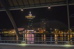 现代旅馆在有屋顶酒吧的-从中央驻地的看法阿姆斯特丹 库存照片