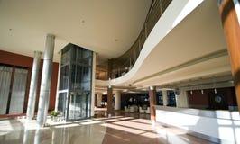 现代旅馆的大厅 库存照片