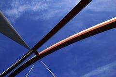 现代曲拱的桥梁 免版税库存照片