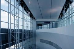 现代机场的结构 免版税库存照片