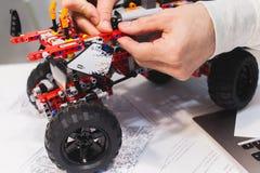 现代机电仪一体化机器人construstor创作 图库摄影