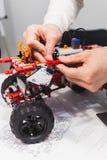 现代机电仪一体化机器人construstor创作 免版税库存图片