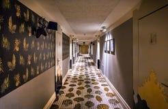 现代样式旅馆走廊 免版税图库摄影
