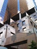 现代棕色的大厦 免版税库存照片