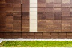 现代棕色金属铺磁砖墙壁 图库摄影
