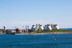 现代水处理厂 免版税库存图片