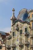 现代派住处Batllo门面,设计由B的安东尼Gaudi, 免版税库存图片