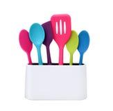 现代烹调-五颜六色的厨房器物 免版税库存照片