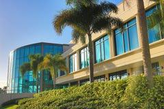 现代玻璃大厦 免版税库存照片