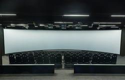 现代电影院内部,与空位-戏院4维度 库存照片