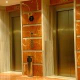 现代电梯的旅馆 库存图片